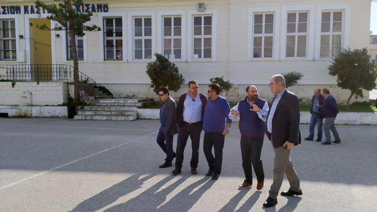 Οι διαδικασίες για την επίλυση των προβλημάτων της σχολικής στέγης στο Καστέλι προχωρούν με γρήγορους ρυθμούς, όπως ακριβώς είχαμε δεσμευθεί